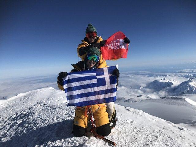 Αλάσκα: Οι πρώτες Ελληνίδες που πάτησαν στην κορυφή: «Το βουνό δεν θέλει δύναμη, θέλει ψυχή» δηλώνει στο ΑΠΕ ΜΠΕ η Χριστίνα Φλαμπούρη μια…