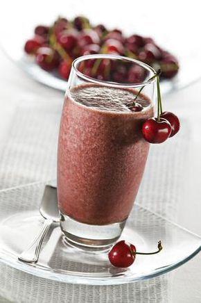 3 lekkere en makkelijke kersen smoothie recepten: voor het ganse jaar goedkoop uit de diepvries of met verse kersen in de zomer.