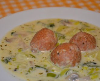 Zupa porowa z pulpecikami
