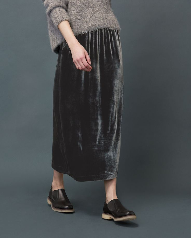 SILK VELVET SKIRT | Pull-on skirt in a fluid, silk and viscose velvet