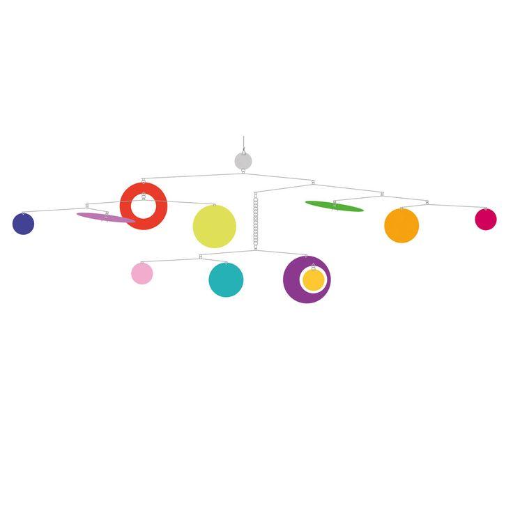 Ce mobile confettis offre des belles formes géométriques et colorées qui dansent pour votre enfant. Un subtil jeu d'équilibre entre rêve et réalité. Son installation est facile et rapide grâce à un système d'accroche adhésif.