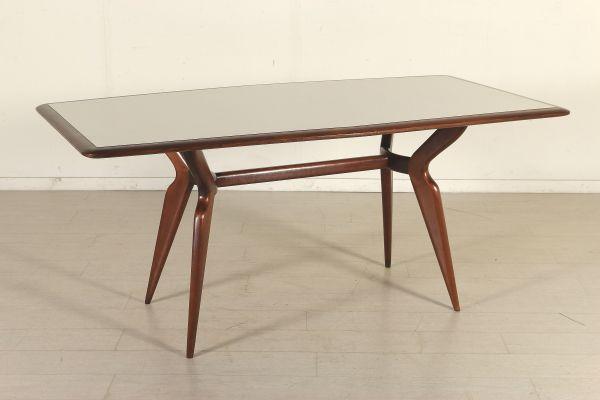 Tavolo; legno di faggio tinto, piano in legno e formica. Ottime condizioni, restaurato.