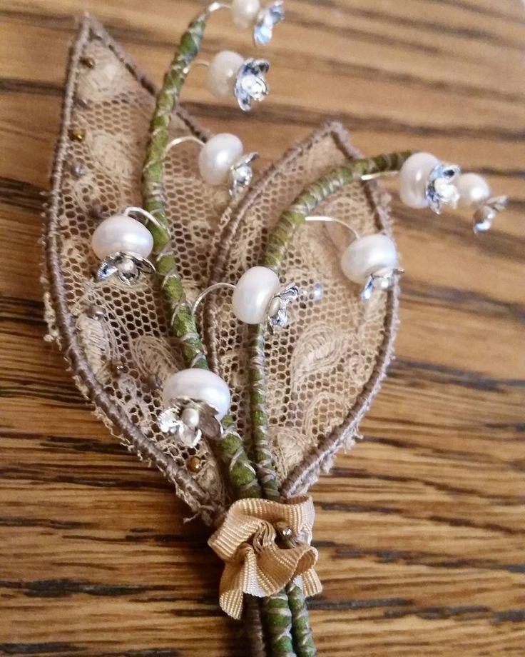 Я к вам с ландышами☺ #вдохновение #ручнаяработа #handmade #бижутерия #брошь #бижутерия #брошьцветок #украшения #embroibery #summer #style #мояжизнь #handmade #авторскиеукрашения #вышивка #ручнаявышивка #винтаж #fashion #art #flowers #жемчуг #брошь #ручнаяработа #beautiful #мойтворческиймомент #красота