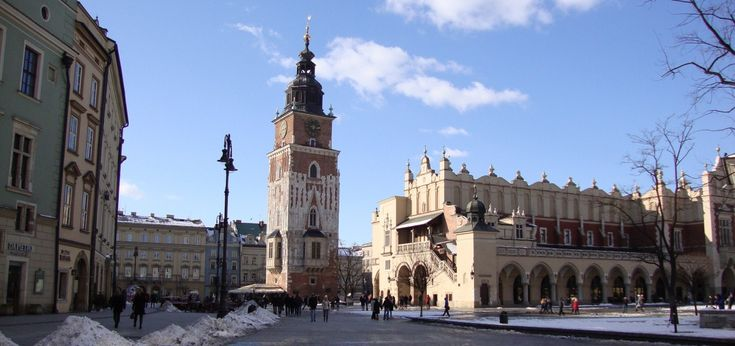 Do You wonder how to visit Krakow in one day? There are many ways to make Your stay unforgettable. What is most worth seeing? Krakow guides answer.