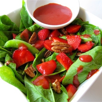 Harvest salad with fresh berry dressingHarvest Salad, Berries Salad, Dressing Recipes, Berries Dresses, Spring Organic, Dresses Recipe, Fresh Berries, Lifestyle Nutrition, Organic Harvest