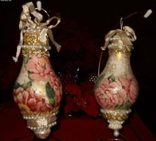 Victorian ornaments using old light bulbs-maybe use some small bulbs