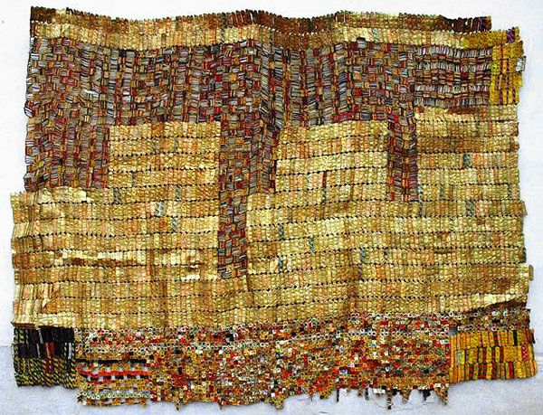 artist El Anatsui     african outsider art   recycled bottle caps, wire, cans