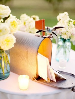 Creative way to collect cards on your wedding day: a vintage mailbox! (Photo by Jose Villa)