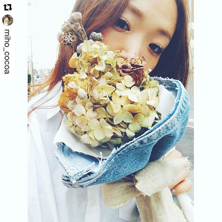 ブーケ素敵だな。 #デニム と#リネン #BONUM #FLOWER #明日への活力 #今日の花#ドライフラワー #ブーケ #私もテラリウム販売したい