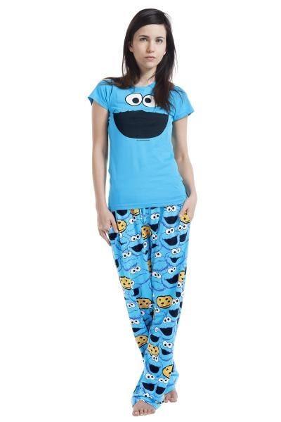 """Pigiama """"Cookie Monster"""" di #SesameStreet composto da maglietta con ampia stampa sul davanti e pantaloni con stampa allover."""