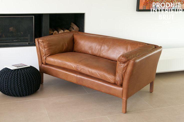 Le canapé cuir Hamar est un canapé design de style scandinave d'un grand confort et aux lignes épurées. Ce canapé design sera mis en valeur dans tout type de déco.