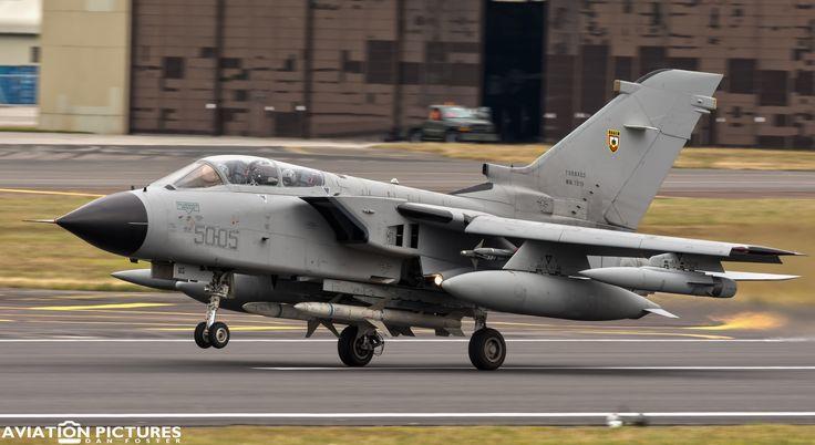 https://flic.kr/p/J3jKJ8 | Panavia Tornado ECR MM7019 50:05 | 50 Stormo - Aeronautica Militare (Italian Air Force)