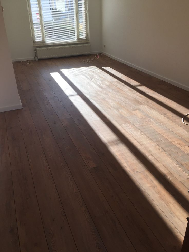Mocha met bruine voeg  Mflor pvc vloer. Www.dannysvloeren.nl