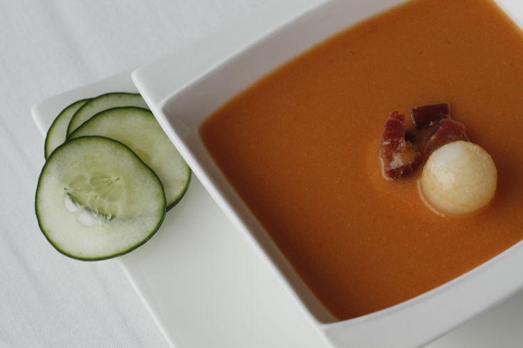 ¡Nada mejor en verano, que un gazpacho fresquito! http://kcy.me/26glw  #blog #gastronomía