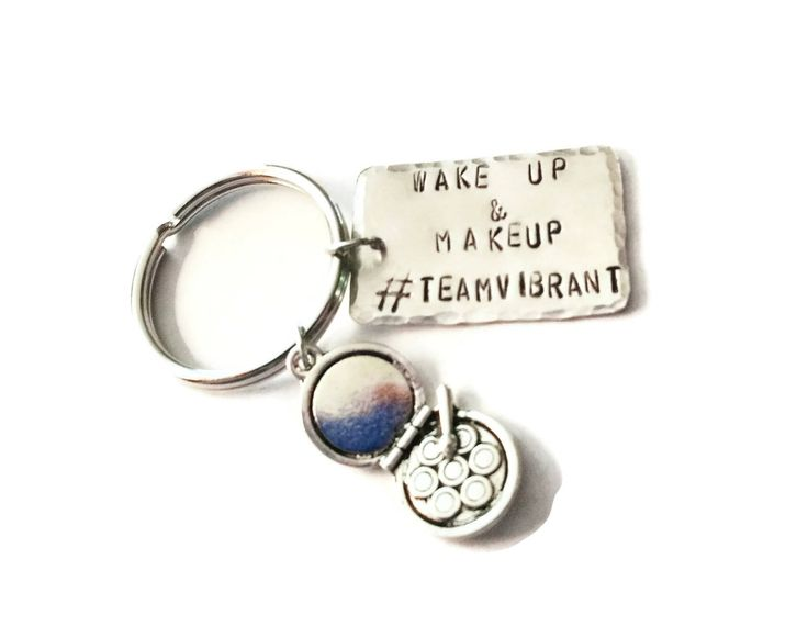 Whether you're a makeup seller or just a makeup lover, this custom key chain is perfect!      #handmadejewelry #shopping #marketnshop #craftbuzz #teamvintageusa #etsyshop