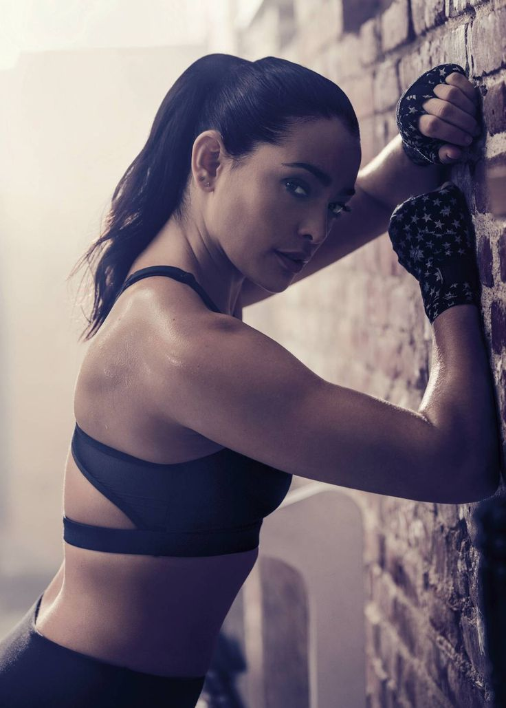 Looking good, Selene! | Natalie martinez, Latina women