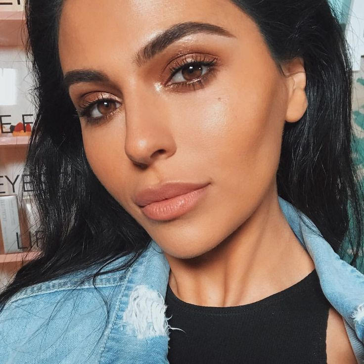 """15k Likes, 124 Comments - teni panosian (@tenipanosian) on Instagram: """"A closer shot of the final look from @makeupbymario's master class with @lauramercier! A lot of…"""""""