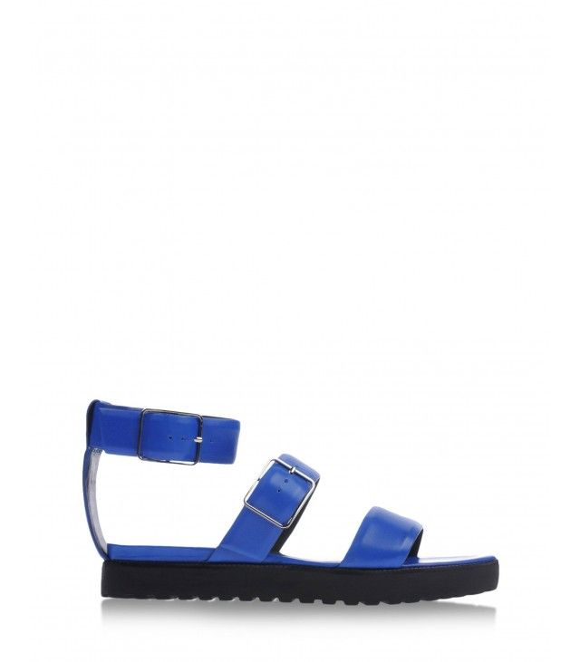 The sporty sandal trend may seem hard to pull off. No worries-we've made it real easy.