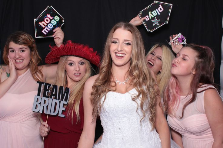 Photo Booth in Dallas and Fort Worth texas with wedding photobooth prices and rental for best prices for a wedding reception booth in Rutherford Texas - Photo Lobby Photo Booths