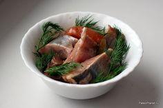 Маринованная по-домашнему селёдка - вкусно и полезно! А уж когда в ней попадается икра....ммммм....мы за неё готовы подраться :) #paleo #палео #палеодиета #палеорецепты #paleoplanet #food #fish
