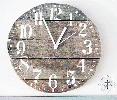 Pallet Wooden Clock DIY by @Prodigal Pieces Prodigal Pieces via @Karen - The Graphics Fairy