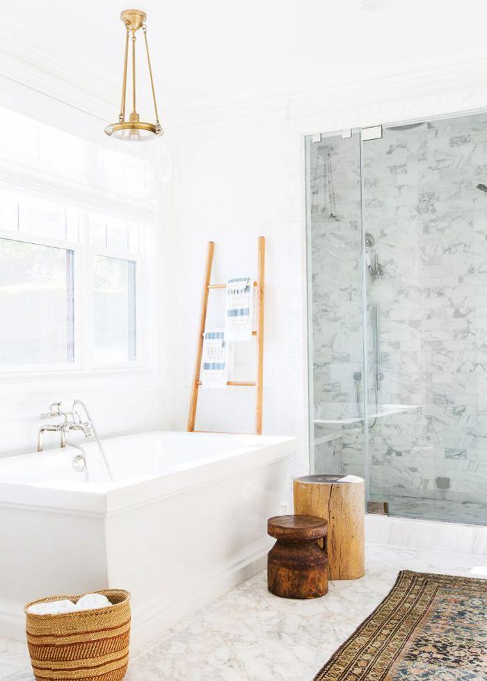 Behold the Marble Bathrooms That Made Our Editors\u0027 Jaws Drop in 2018
