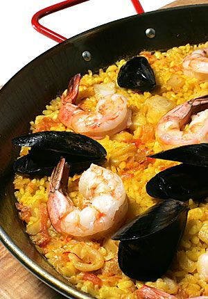 paella de mariscos - this recipe looks like it's close to Jose's, the best paella in the world. Reminds me of Sundays growing up!