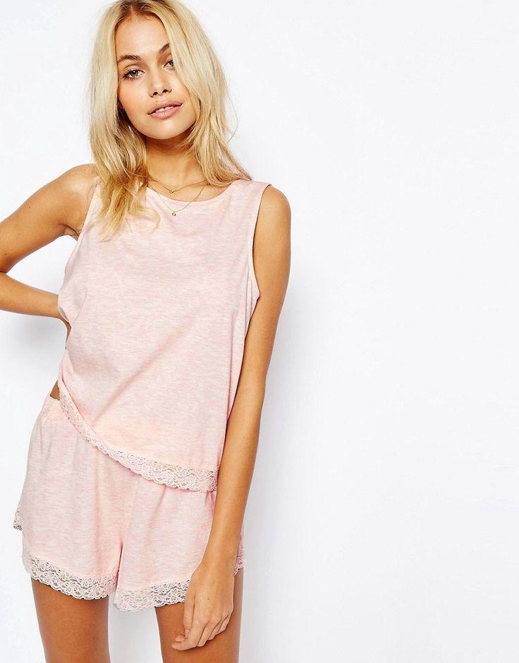 Bild 1 von ASOS – Pyjamaset aus Trägerhirt und Shorts mit Spitzenbesatz