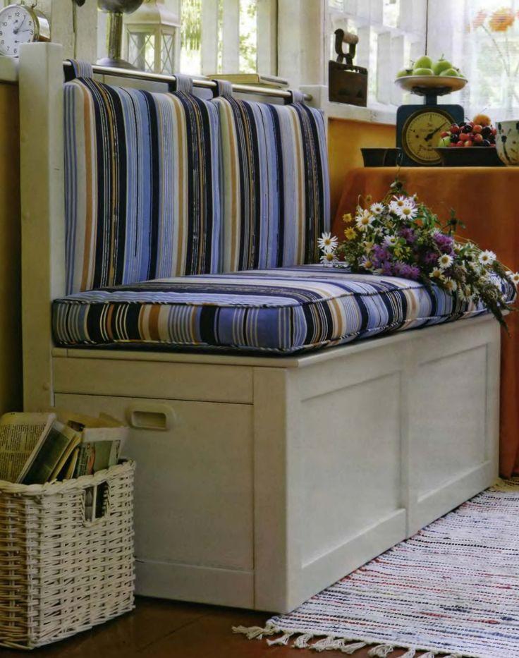 Дачный диван для веранды и комплект подушек