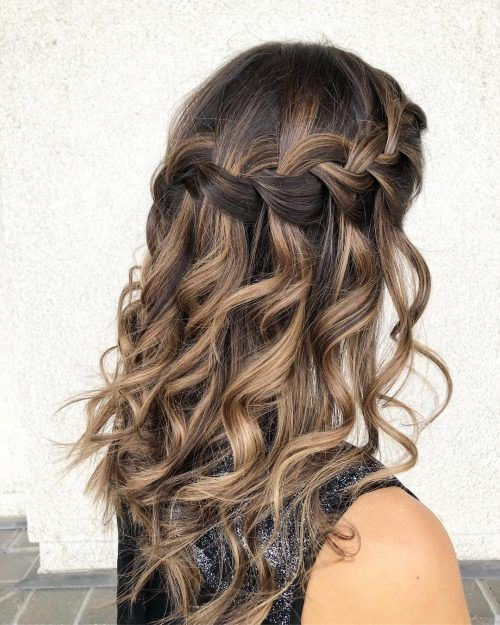 22 Perfectly Gorgeous Down Hairstyles For Prom Hair Styles Prom Hair Down Cute Prom Hairstyles