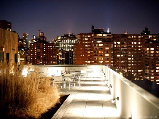 Imagínate el sonido de la noche más emocionante del año en la ciudad más espectacular del mundo mezclándose por concurridas calles de la ciudad, mientras tú disfrutas de una fiesta privada en tu terraza muy por encima de la aglomeraciones. #NEWYORK