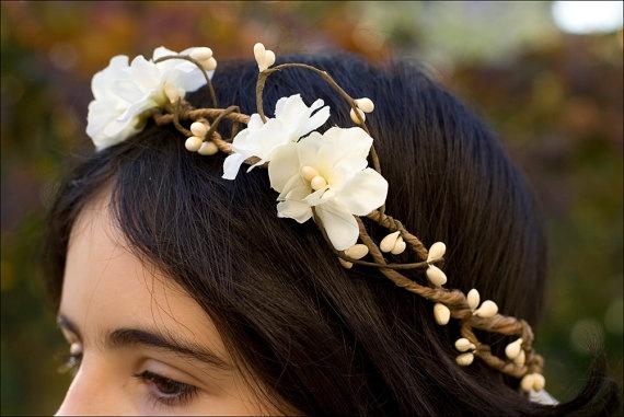 Bridal flower head wreath / headpiece Ivory by nuagecolore on Etsy, €35.00