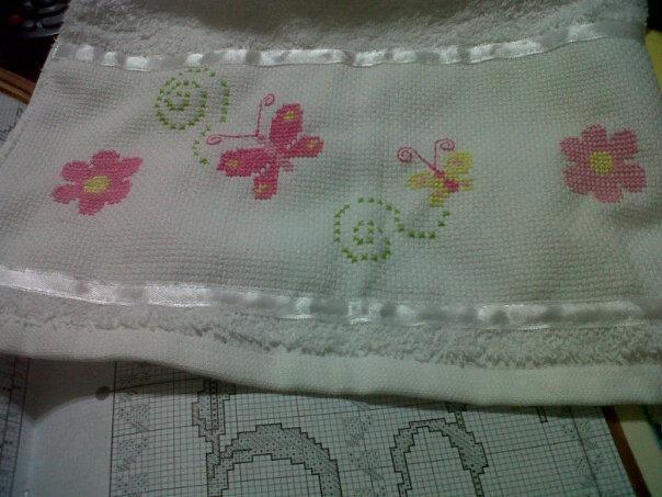 Toallas y toallones bordados para bebes y baños | Punto de Cruz ...