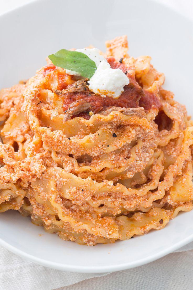 MANFREDI CON LA RICOTTA Un primo piatto cremoso e sostanzioso che arriva direttamente dalla tradizione partenopea!