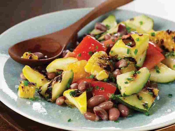 native american style Thanksgiving recipes: three sisters salad, vegetarian