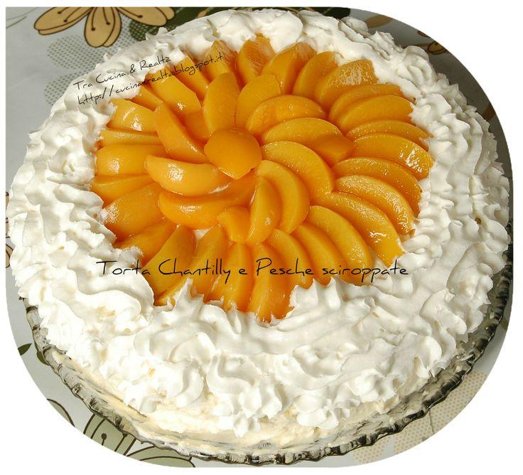 Tra Cucina & Realtà: TORTA ALLE PESCHE SCIROPPATE E CHANTILLY http://goo.gl/GIIXbb Pesche sciroppate SI.GI. del eShop Lorenzo Vinci per una torta di qualità e gusto!