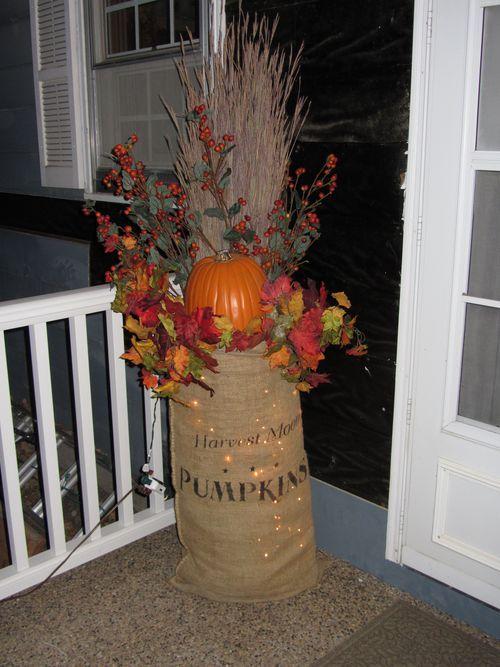 cute lighted burlap bag - great porch decoration