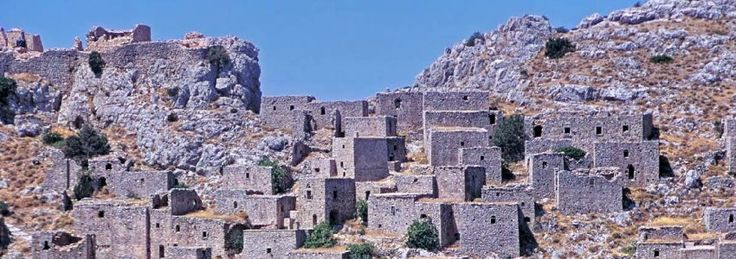 No visit on Chios can be completed without a walk around the ruins of Anavatos, an abandoned medieval village in Central Chios.