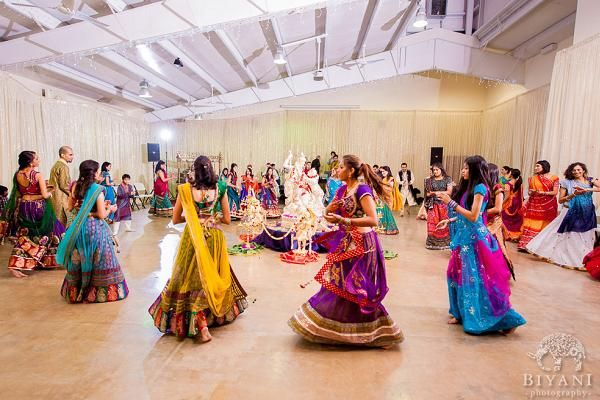 Gujarati Wedding with Garba Dance, Indian Wedding Traditions, Hindu Wedding Traditions