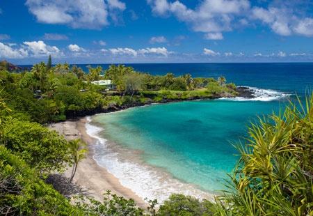 Hamoa Beach, Hana, Maui, Hawaii (© David Olsen/Alamy)