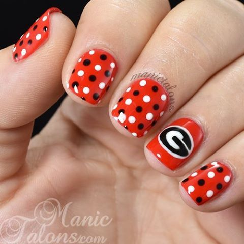 Instagram media manictalons - Georgia Bulldogs #nail #nails #nailart