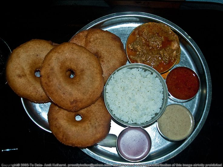 Malvani Kombdi-Vade(Malvani-style Chicken curry and vadas)     #Indian Food, #Maharashtra Food, #Marathi Food