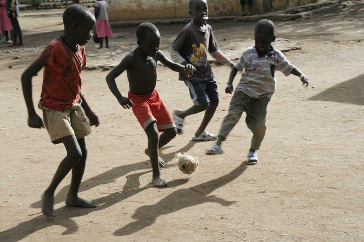 Kenya. Jouer au chobo uwa