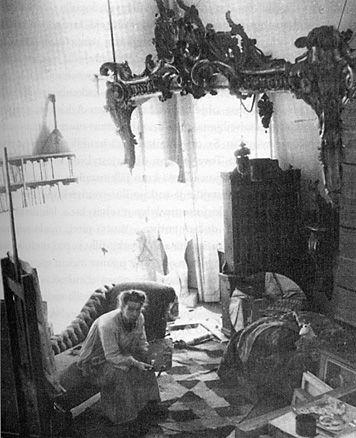 Tove Jansson in her studio