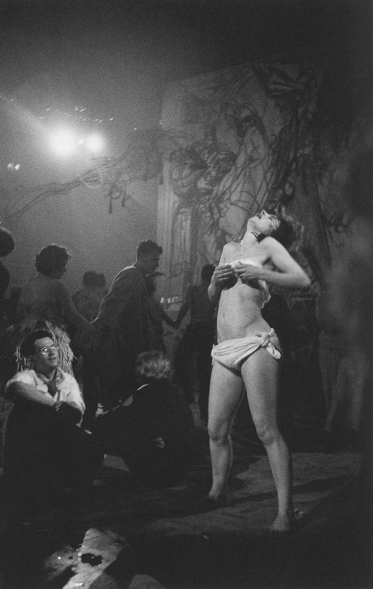 Sergio Larrain: Albert Hall. Chelsea Art Ball. London, England.1958-1959.