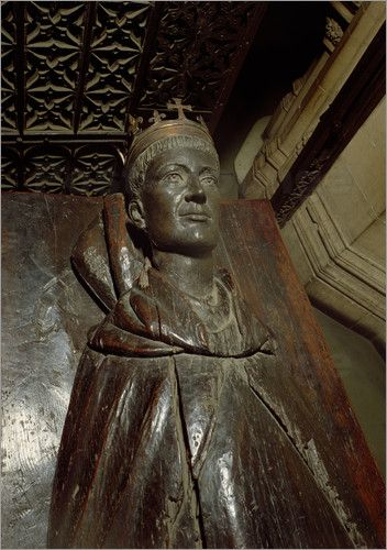 Henry V, King of England (16 Sept 1386 – 31 Aug 1422) Buried in Westminster Abbey, London at the eastern end of the Chapel of Edward the Confessor.