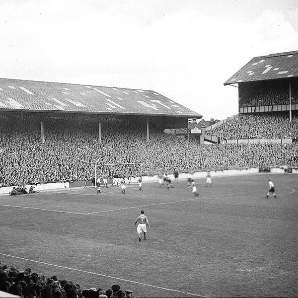 White Hart Lane in 1947 as Tottenham play host to Bury