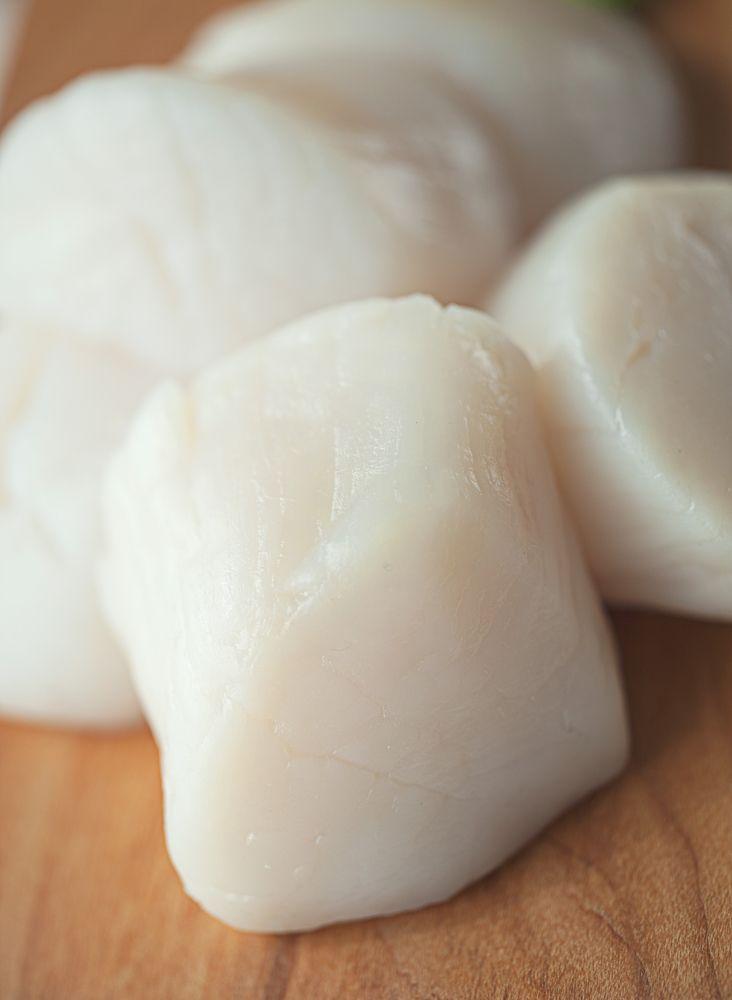 Recept voor gemarineerde coquilles met gerookte paling | njam!