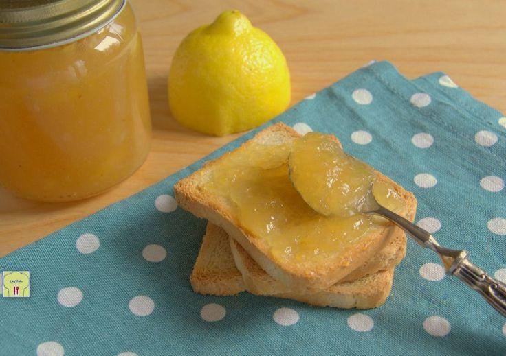 Marmellata di limoni ricetta facile, deliziosa e perfetta per dolci crostate o in accompagnamento ai formaggi stagionati