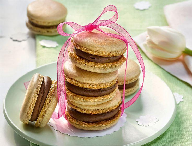 Erdnuss-Macarons mit Schokoladenkaramell-Crème
